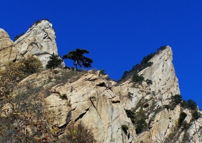 """云蒙山自然风景区位于被称为""""小黄山""""的云蒙山位于密云"""