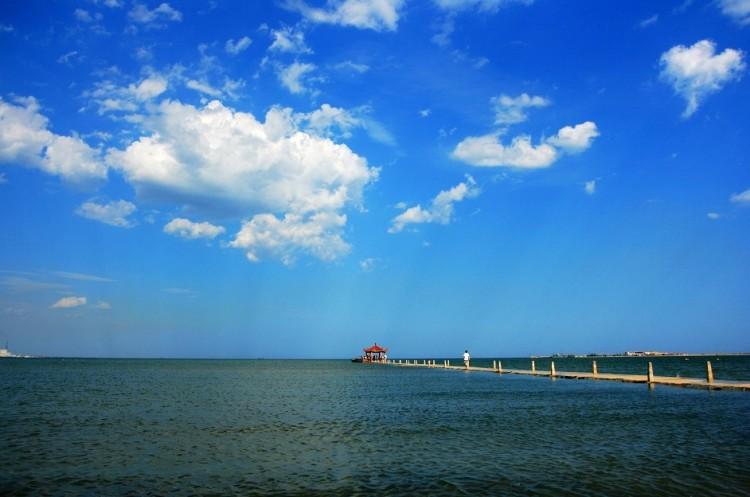 【京郊文化休闲游】碧水蓝天止锚湾,绿野燕郊与你携手踏浪绥中海边两