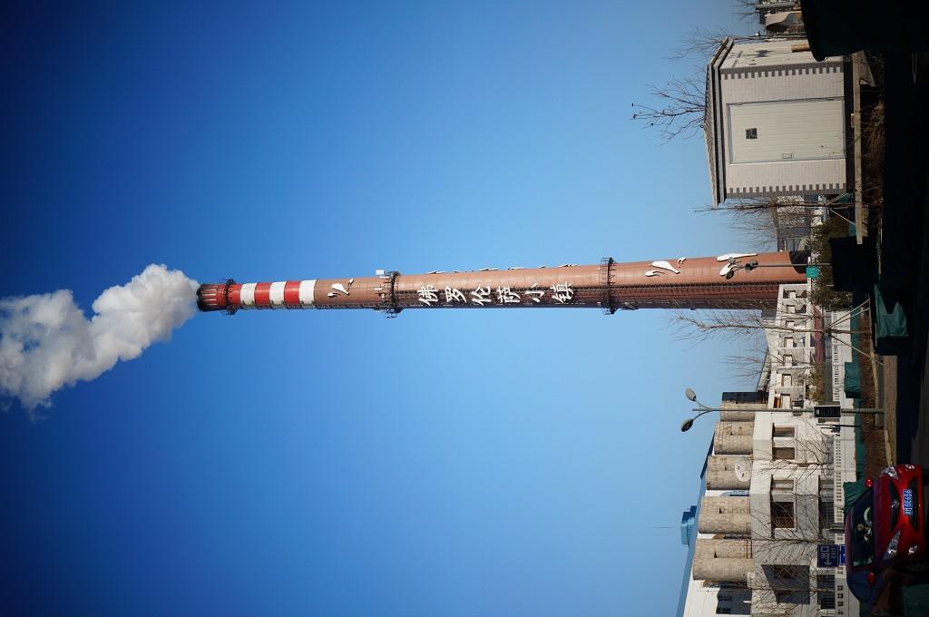 农村房屋铁管烟囱图片