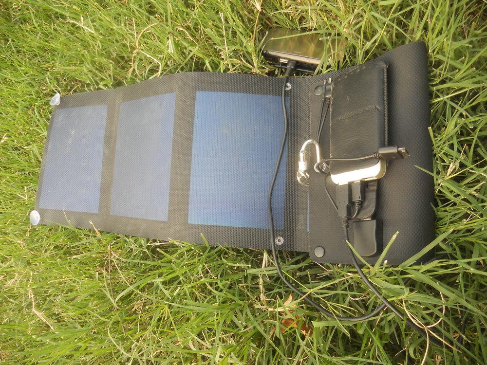 温倍尔柔性太阳能充电器ws-su640b(6w)展示