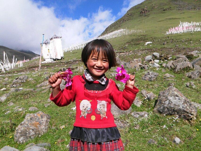 藏族小朋友可爱灿烂的笑容