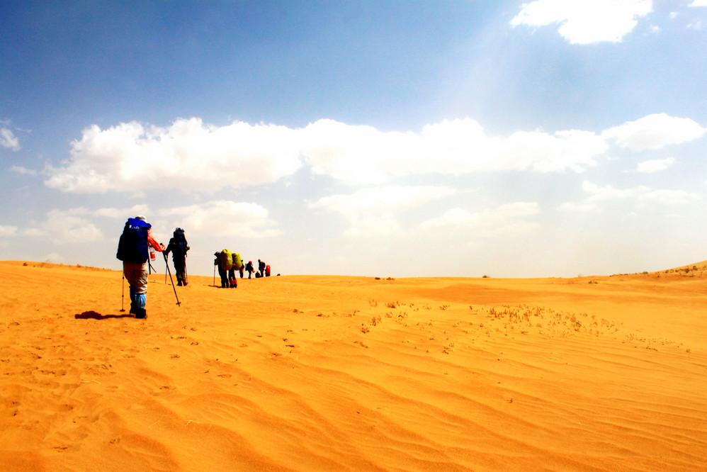 1~5.3徒步穿越最美沙漠,挑战自我极限--库布齐沙漠