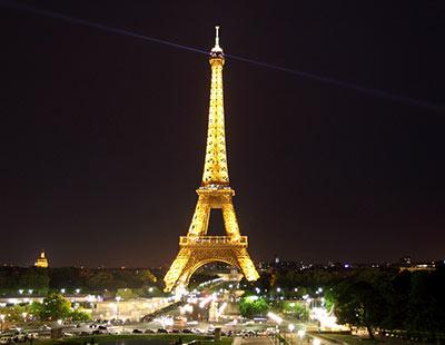 第一站,埃菲尔铁塔.