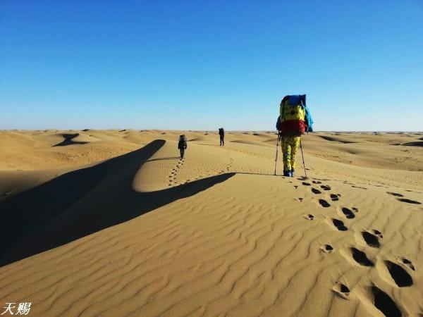 數九隆冬 庫布其沙漠七十公里無人區行走圖片