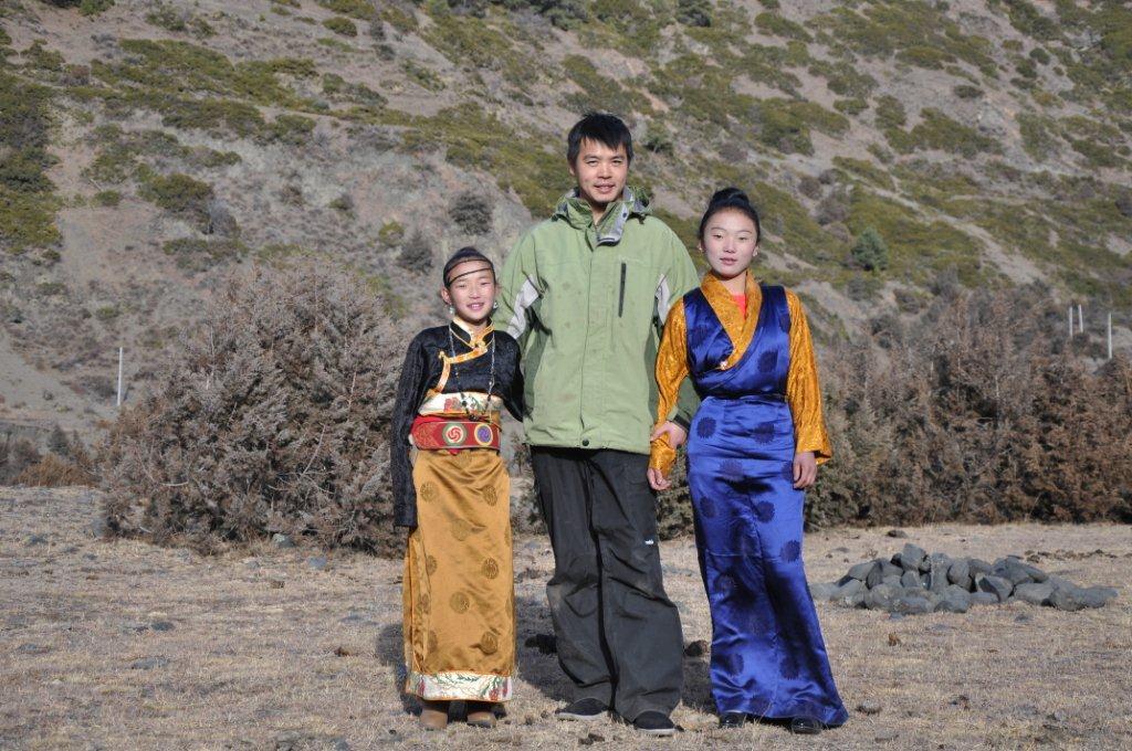 讲述一下 现代康巴藏族人的婚礼 网线细者慎入,网线断 电脑死的贴子图片