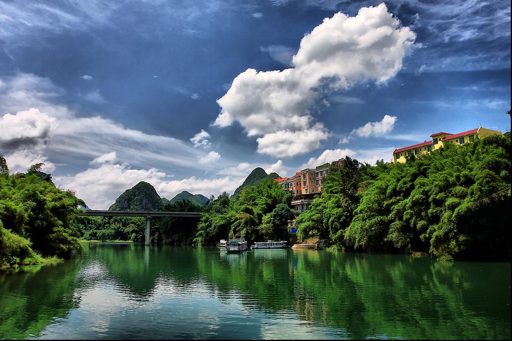 刘三姐门前那条河简谱