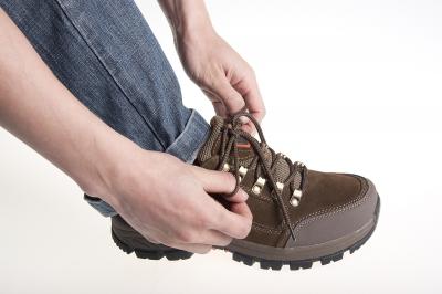实用技巧:徒步活动中,鞋带的正确系法图片
