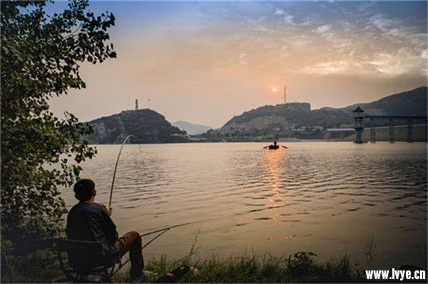 秋雨一何碧 山色倚晴空——秋游安阳大西南旅游区有感 (4).jpg