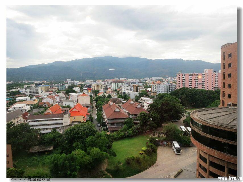 酒店外风景.jpg