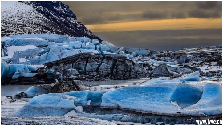 瓦特纳冰川