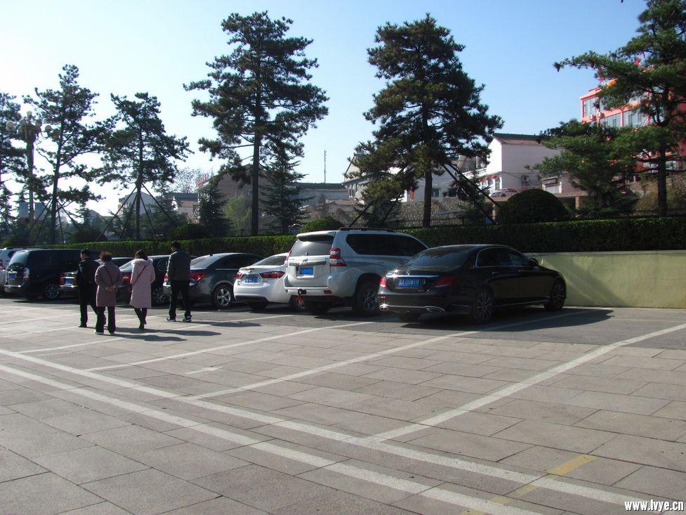 景区停车场