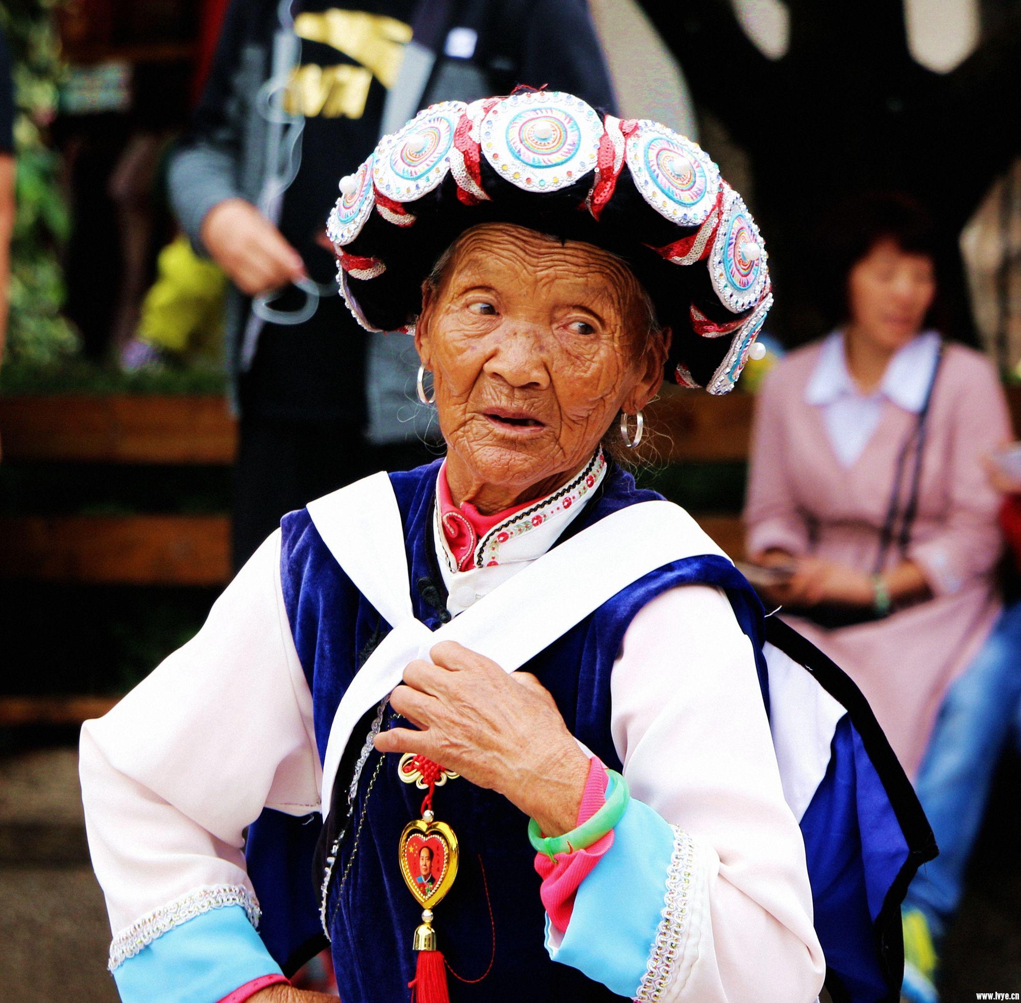 丽江城中唯一的一张照片,我的视线因她而移