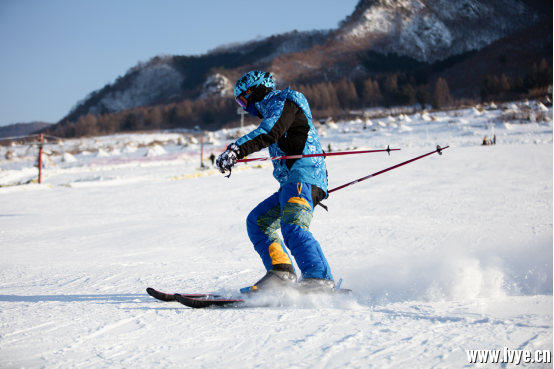 龙头山滑雪场简介271.png