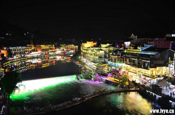 凤凰古城夜景