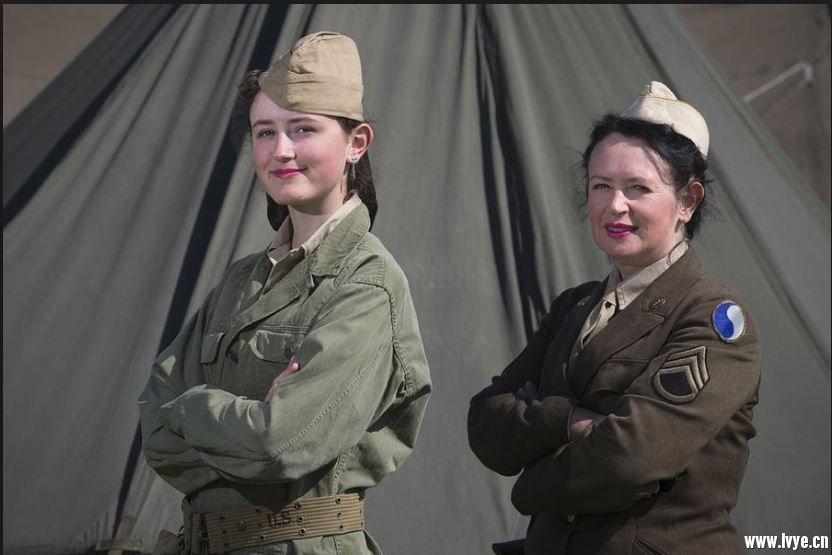 重演-美二戰女兵.JPG