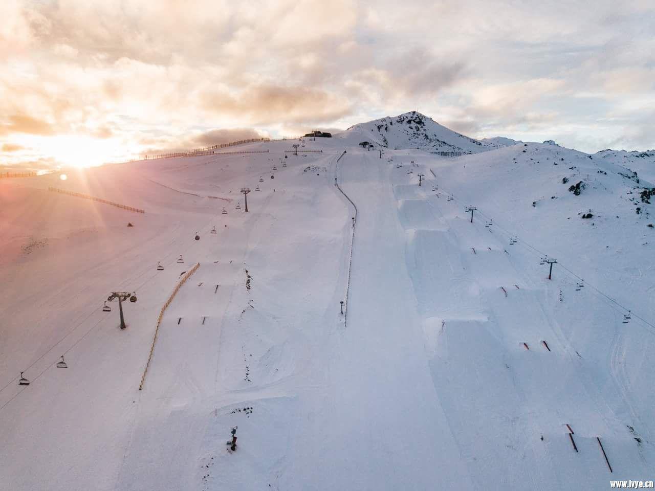 这是山的一半滑雪道