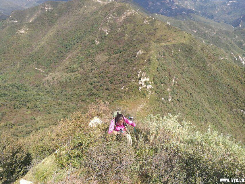 爬山1.jpg