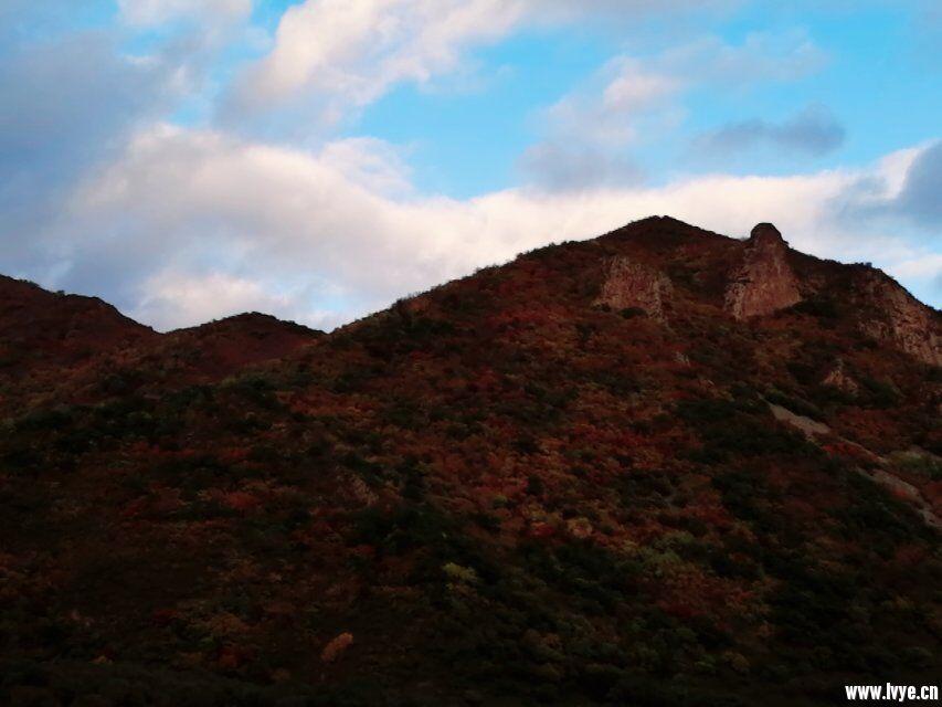 东猴顶爬山下山风景3.jpg