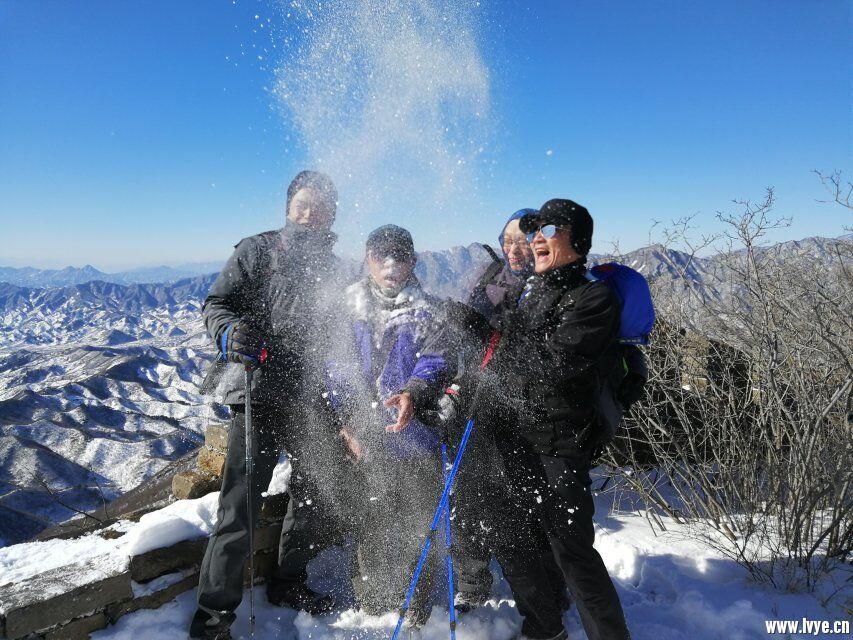 长城嬉雪2.jpg