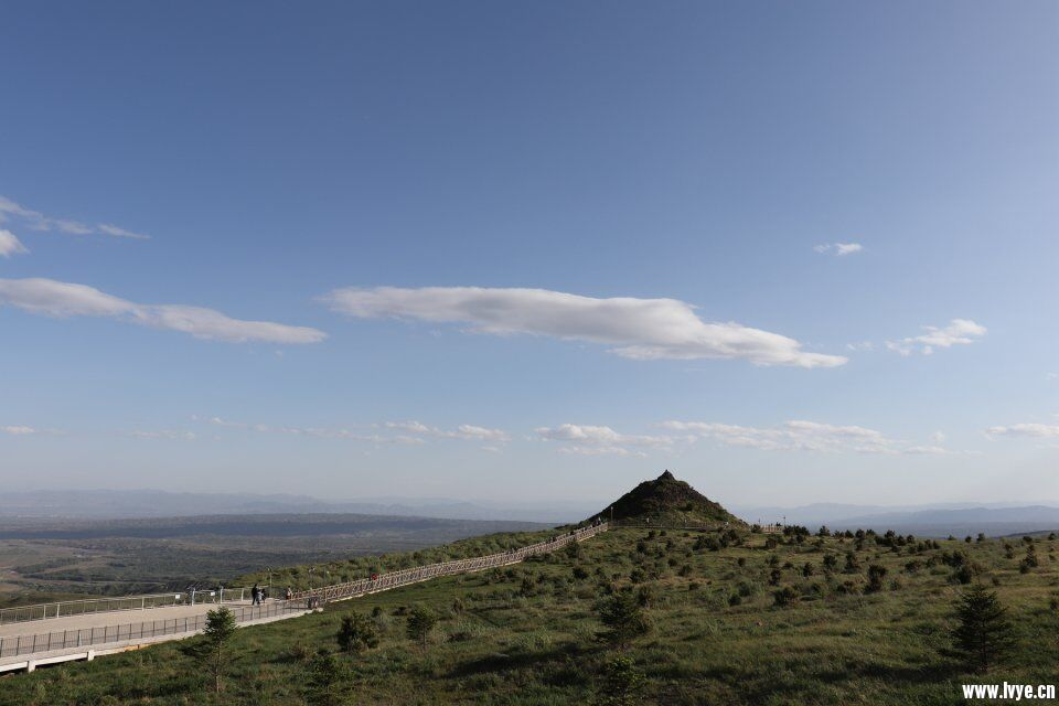 鸡冠山景色.jpg