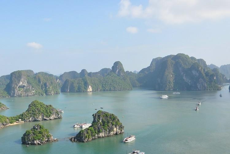 【快乐】春节【卧铺大巴】越南【下龙湾】 陆龙湾 轻松漫步在银滩