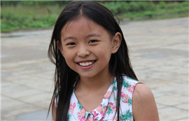 《微笑的小女孩 》——小胖99