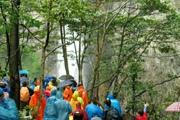 清明时节雨,纷纷路上,强驴勇攀千米峰!
