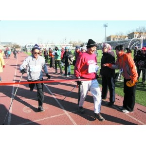北京首次举办越野行走场地竞速赛
