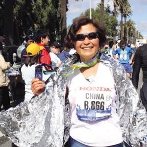 華裔女中醫奪洛杉磯馬拉松55-59年齡組冠軍