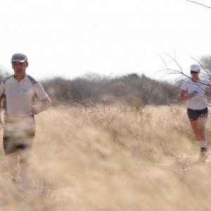 旅行者用諾基亞手機直播穿越撒哈拉沙漠