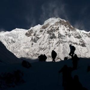 尼泊尔暴风雪致2名波兰登山者1名以色列人死亡