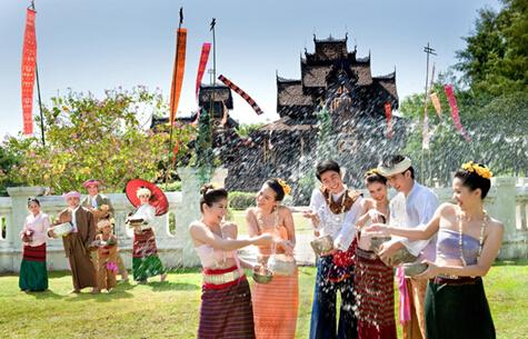 途家网:4月游玩东南亚,感受异域泼水节