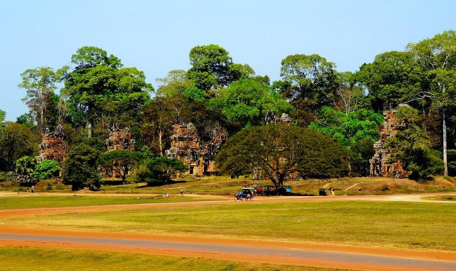 千年竖立的柬埔寨