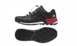 阿迪达斯越野跑鞋助力越野跑