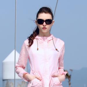 THE FIRST OUTDOOR皮肤风衣:夏天晒的起!