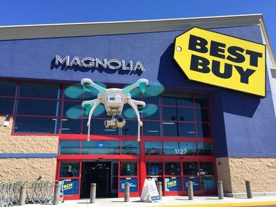 亿航GHOSTDRONE 2.0无人机登陆全美500家百思买零售店