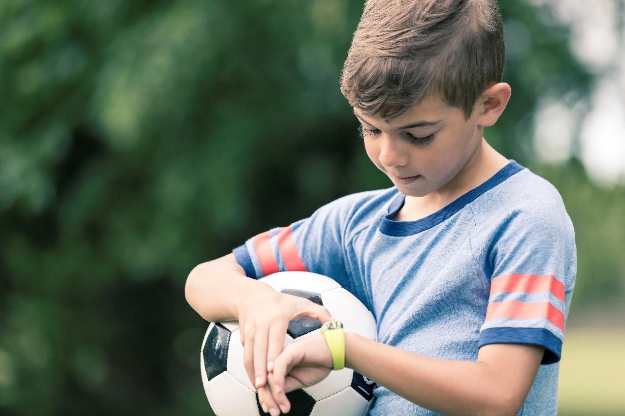 拉近亲子关系!Garmin推出vivifit jr儿童健身手环
