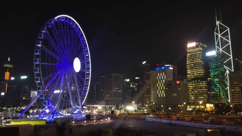 全家香港快乐游,香港明姐和财哥帮你忙
