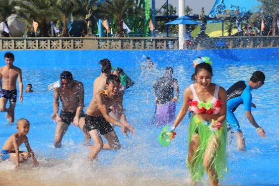 国庆小长假,1.6万游客在柳州克里湾水乐园玩什么?