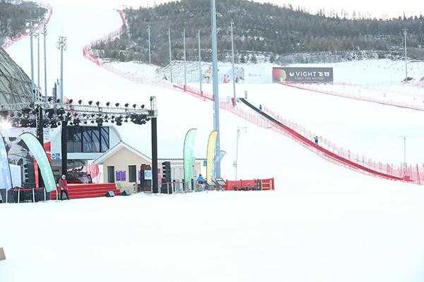 新雪季新體驗,翠云山銀河滑雪場邀你11月17日參加開板活動