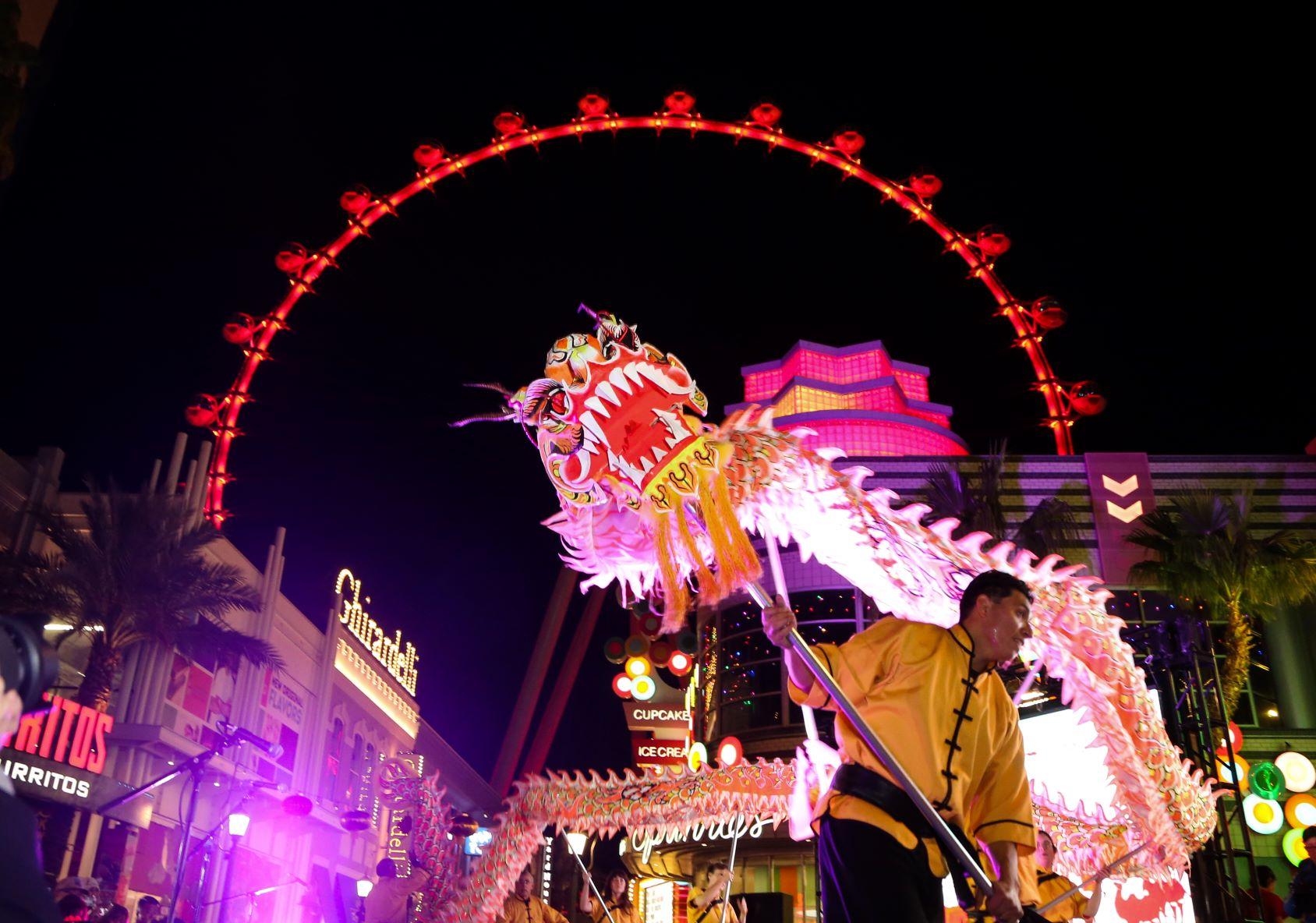 凯撒娱乐喜迎2019猪年 --举办春节庆典及舞狮活动