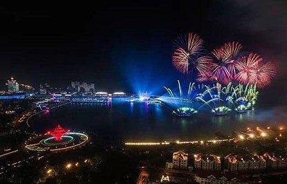 上合峰会将青岛推向世界,夜游经济的机会手中在哪里?