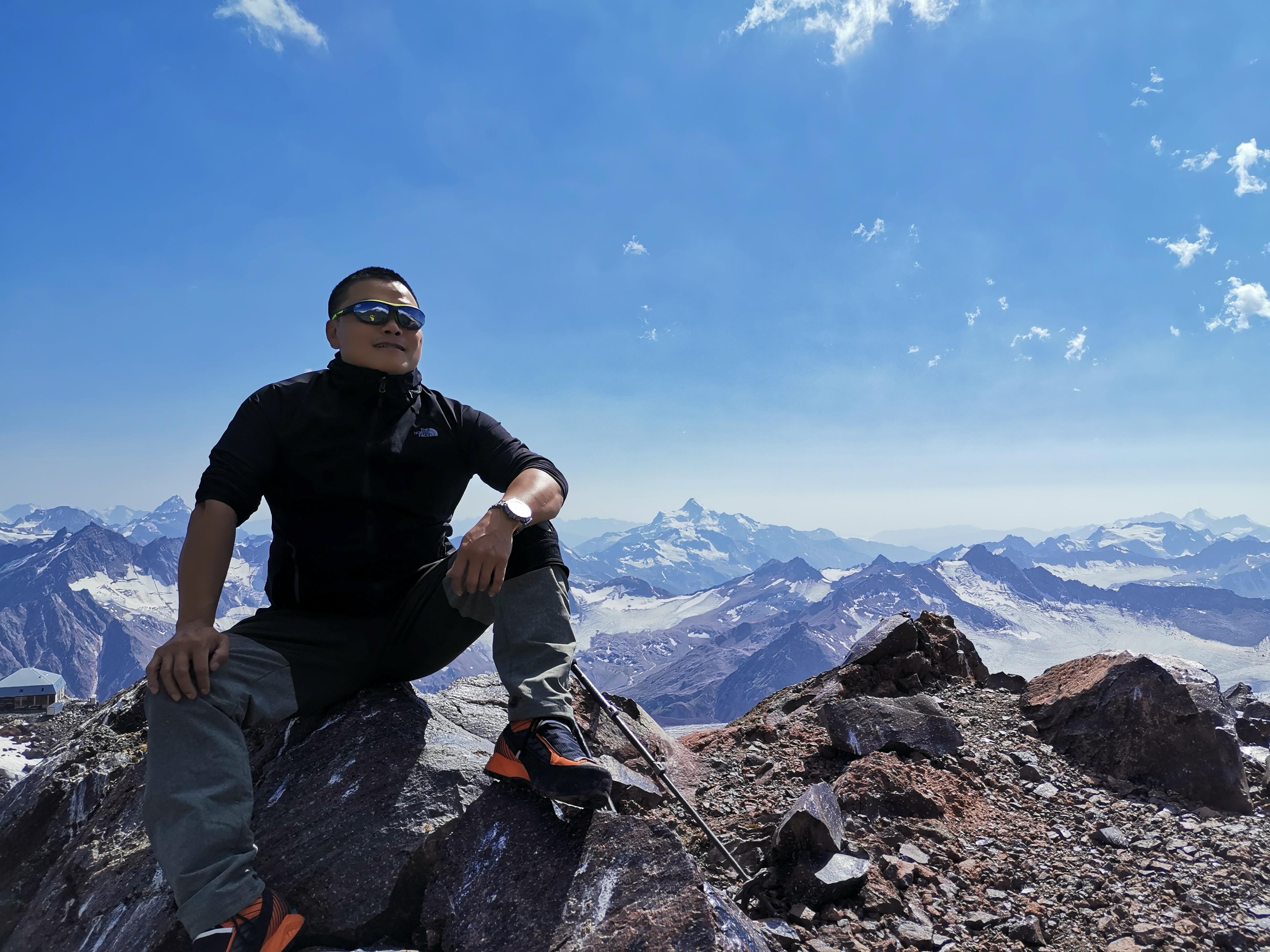 人与山相逢就会产生奇迹 PRO TREK PRX-8000GT伴我行走在空气稀薄地带 ... ... ... ... ...